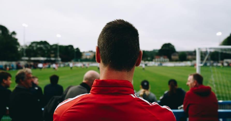 Tradicinės sporto lažybos vs. Virtuali sporto lažyba: kuri yra geriausia?