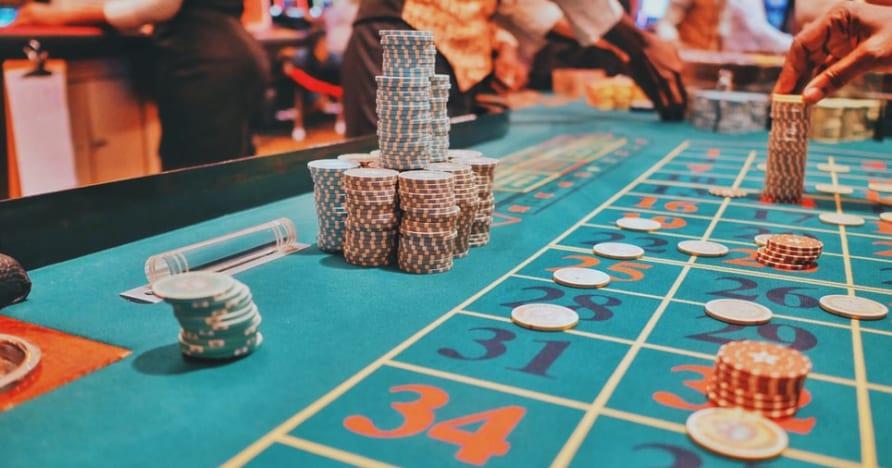 Pelningiausio tiesioginio pokerio stalo pasirinkimo vadovas