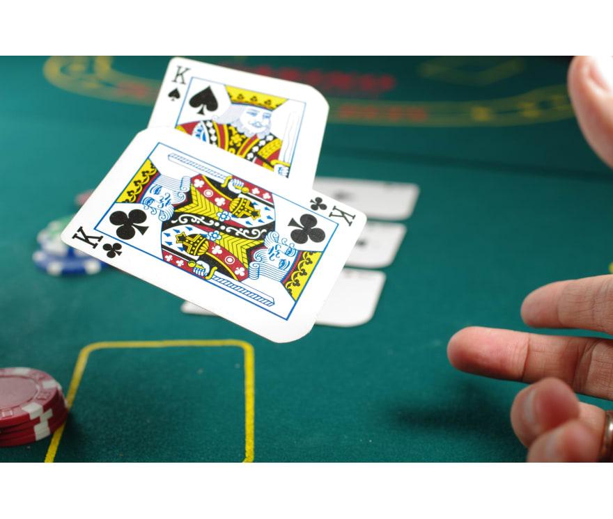 "Žaisk ""Live Three Card Poker"""