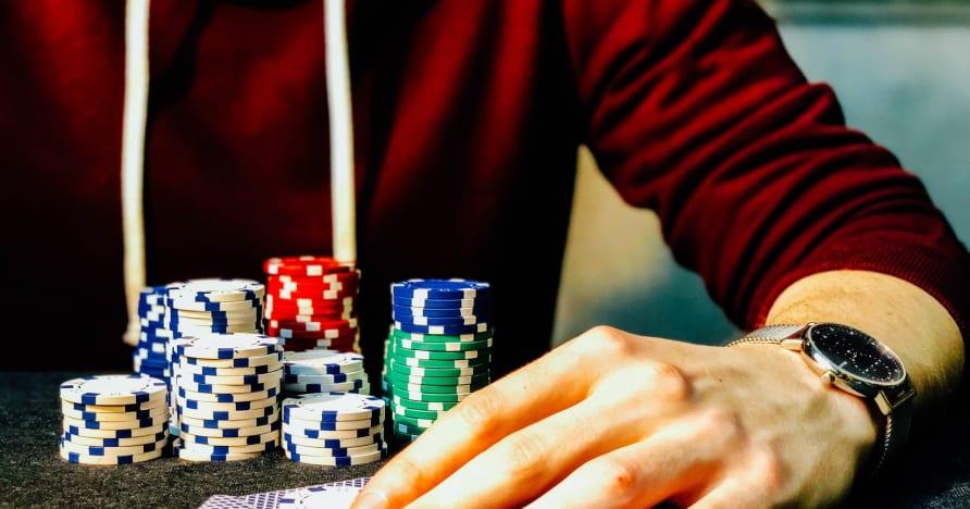 3 kortelių internetinio pokerio vadovas